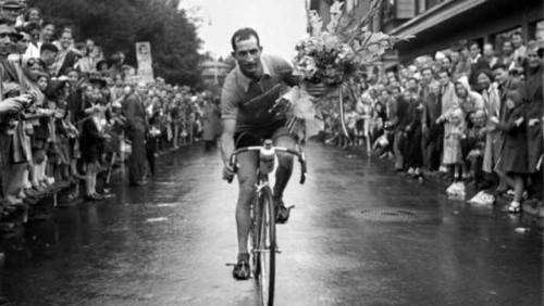 gino-bartali-hat-als-fahrradkurier-hunderte-juedische-leben-gerettet-zu-nazi-zeiten-versteckte-er-dokumente-in-seinen-fahrraedern-und-half-da